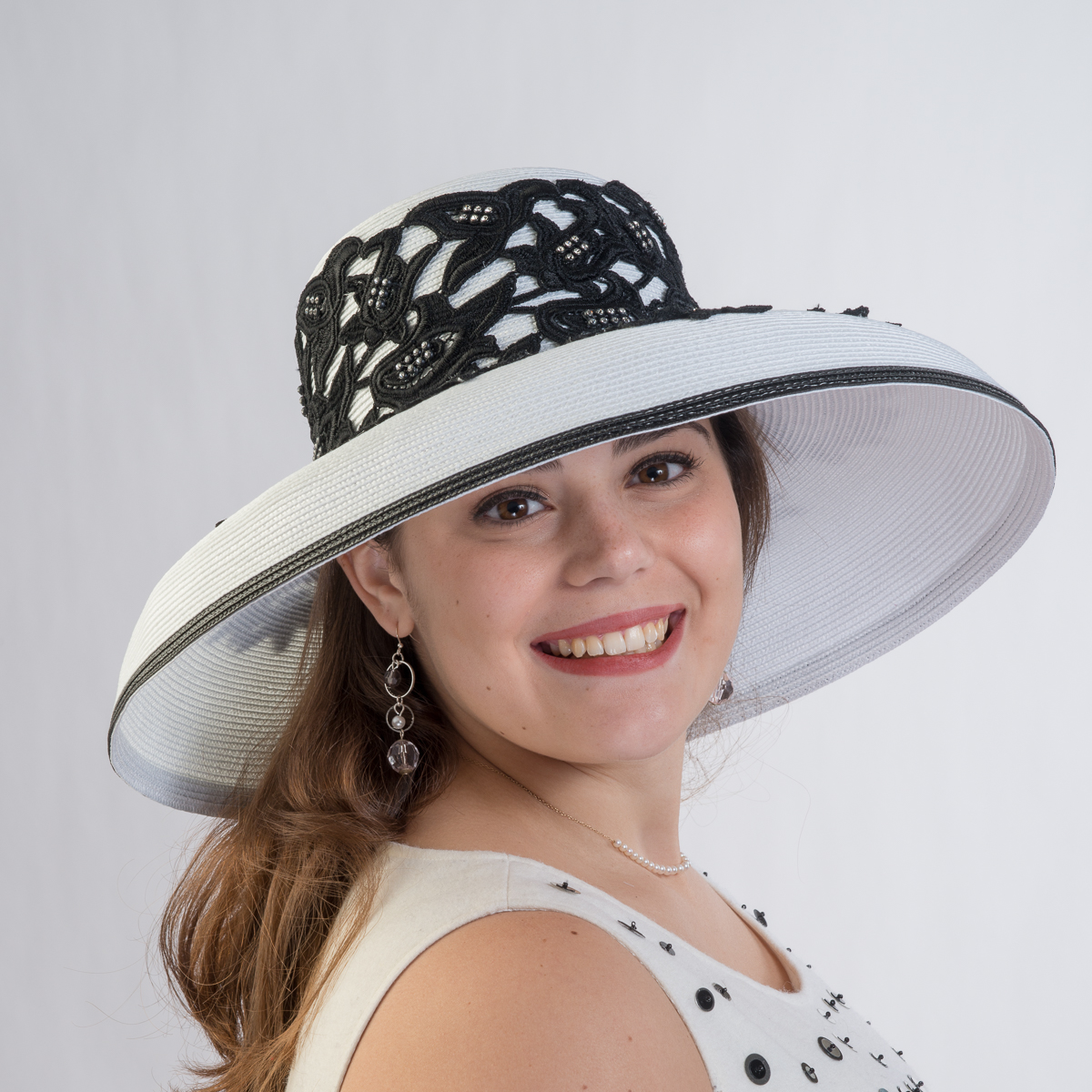 a3123dfe8040c6 White-Black Lace Trim Sun Protection Straw Hats-301773-WT.BK- Sun Yorkos |  KaKyCo Accessories