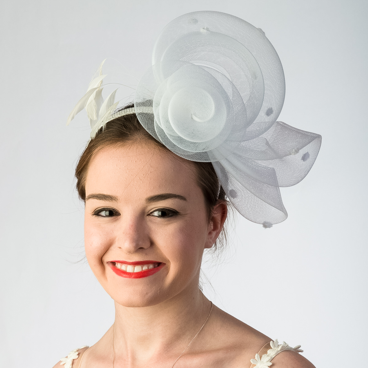 White Crinoline Flower Bow Feather Headband Fascinator Cocktail Hats