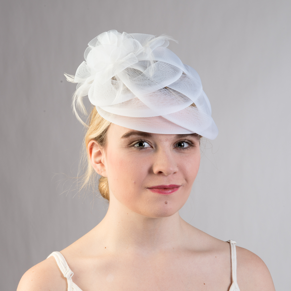 white basket weave feather bow comb fascinator cocktail hats
