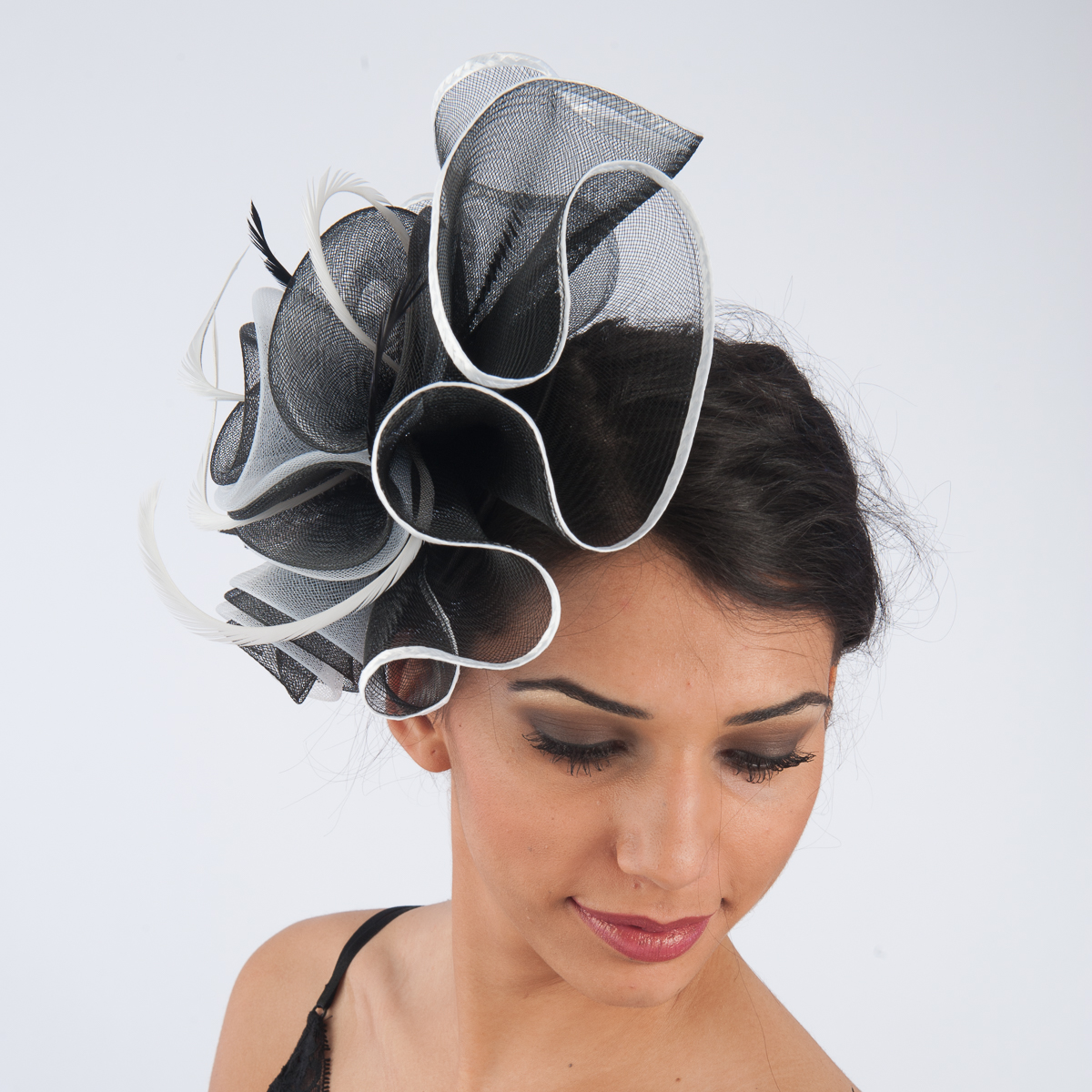 Black-White Crinoline Comb Fascinator Cocktail Hats-5757C-BK.WT- Sun ... a368be25185