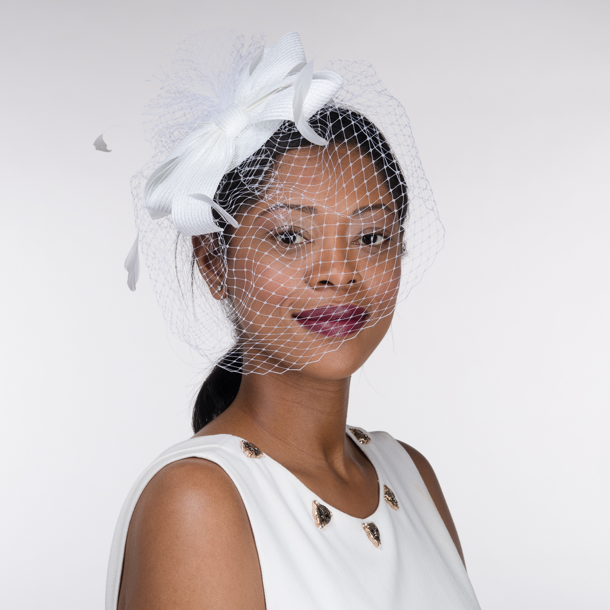 White Flower Crinoline Comb Fascinator Cocktail Hats 5770c