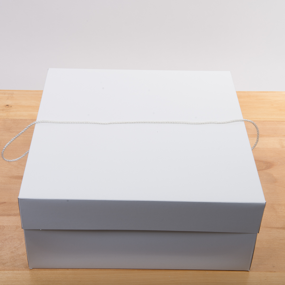White 16 Inches 16 Inches 7 Inches Paper Square Hat Box